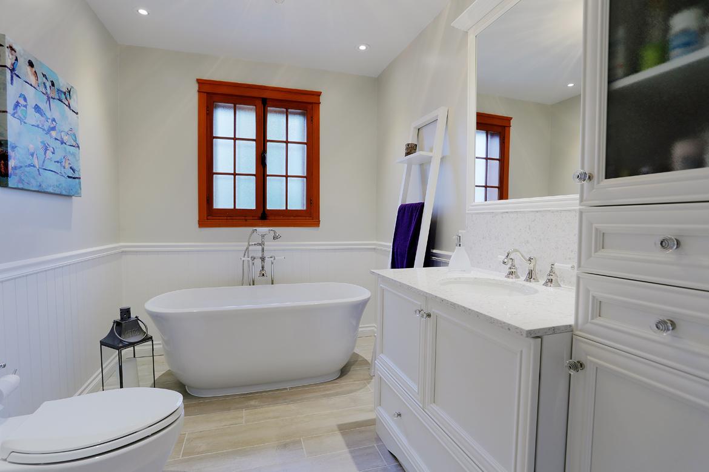 salle de bain b liveau 2e projet r novations dunn. Black Bedroom Furniture Sets. Home Design Ideas